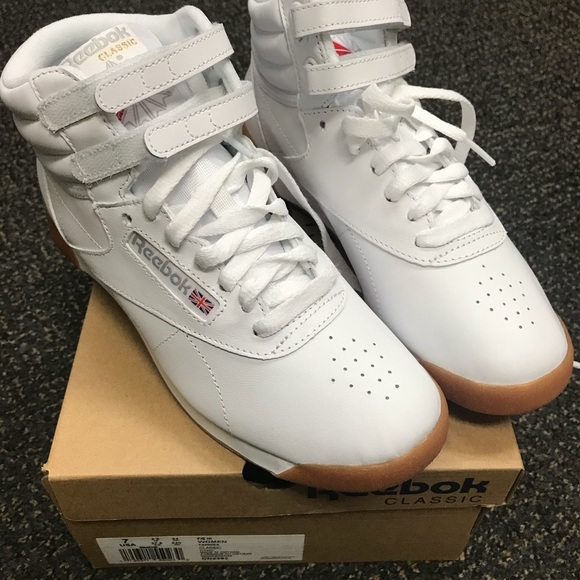 """5a9dd102df2ad """"Reebok s with the strap..."""""""